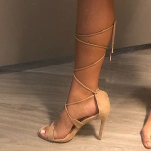 SEXY LADY‼️ Nude lace up heels
